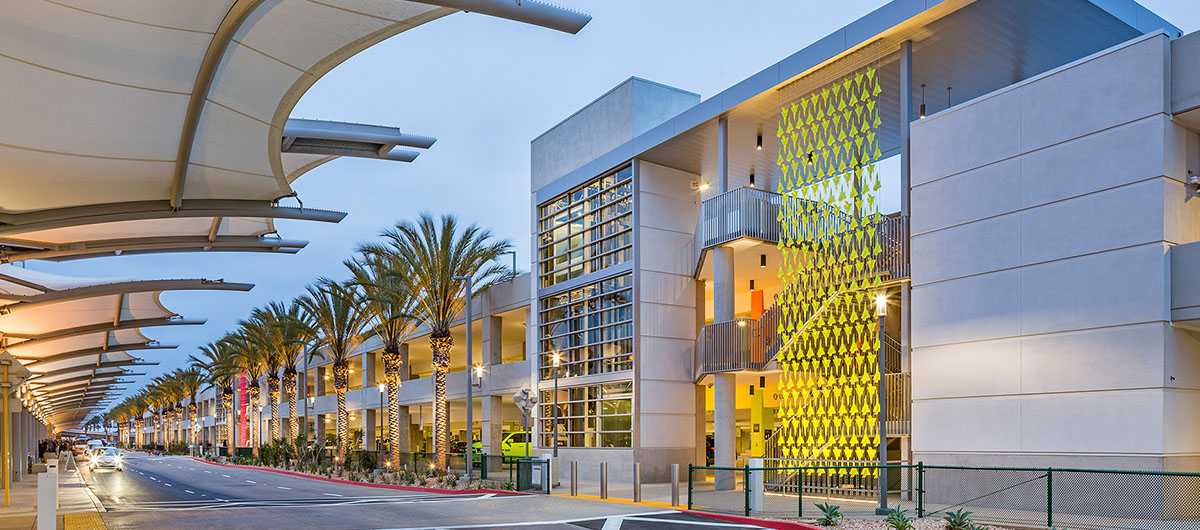 SAN terminal 2 Parking Plaza